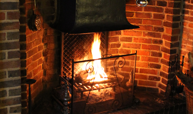 cosy_fire_at_chequers